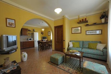 Casa vacanze gli oleandri promozione maggio for Subito toscana arredamento